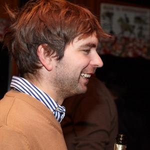 Patrik Diny von der Seite fotografiert.